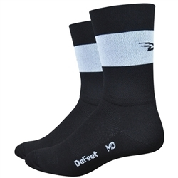 Image: DEFEET AIREATOR TEAM 5 INCH SOCKS BLACK / WHITE SMALL (36-39.5 EU)
